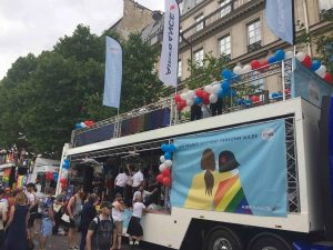 Gay-pride-2017-MX-evenement-Camion